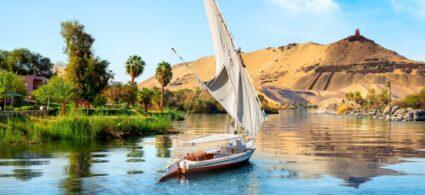 Výletování v Egyptě - loď na Nilu, Asuan