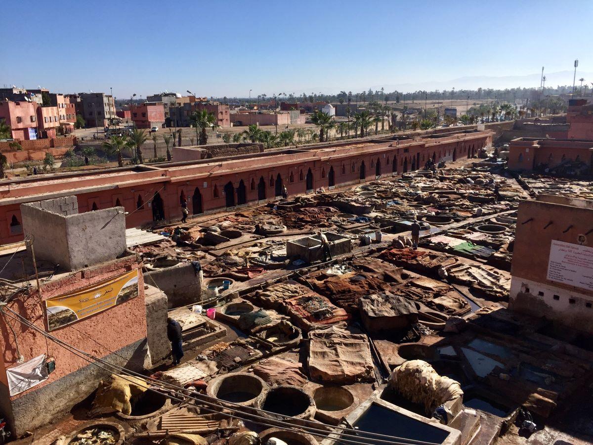 Marrákeš - trh s kůžemi