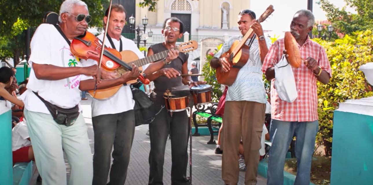 Muzikanti salsy Santiago de Cuba