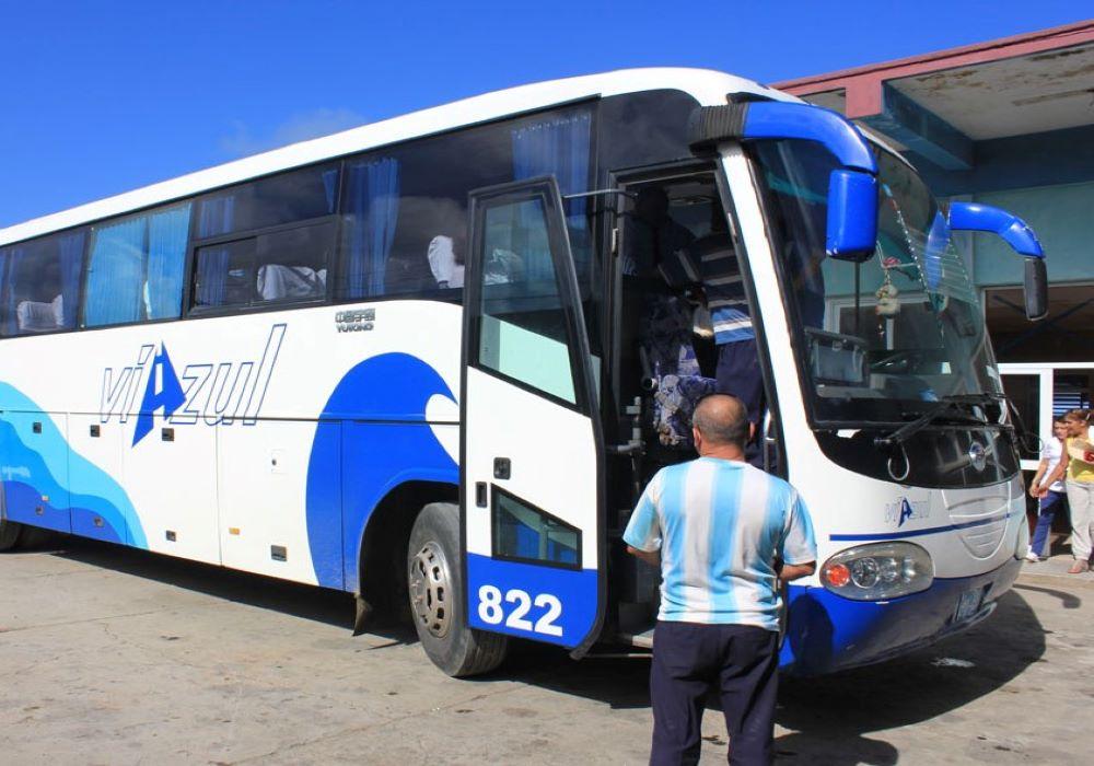 Autobus pro turisty Kuba