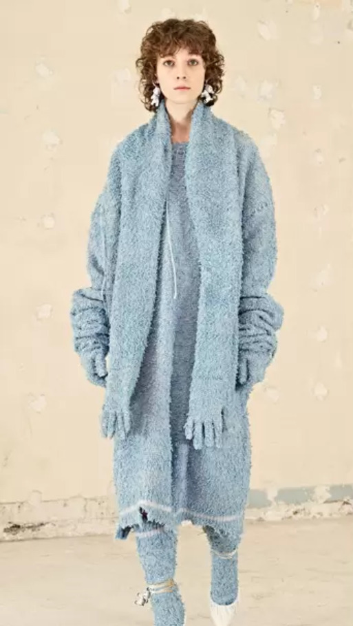 Pletený komplet modré barvy