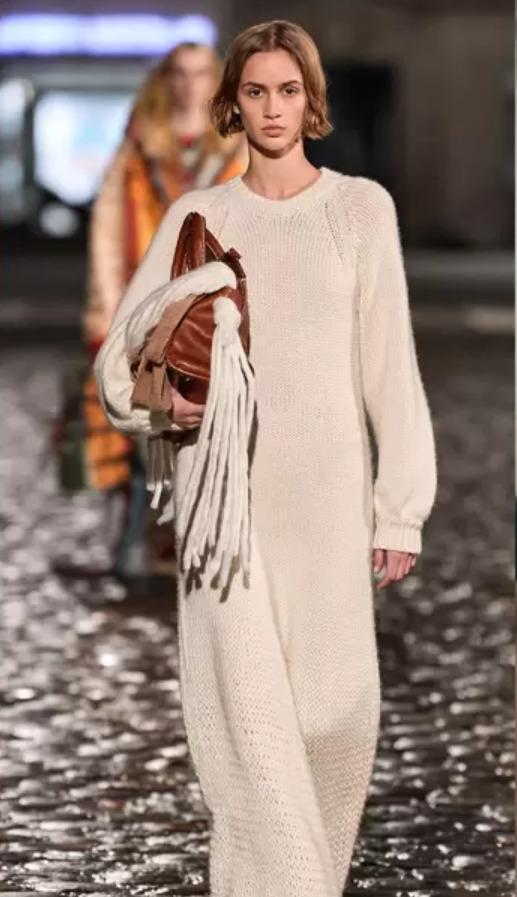 krémově bílé pletené šaty